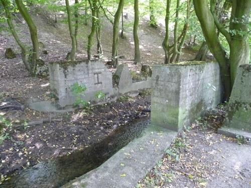 Tank Barrier Inde Stream