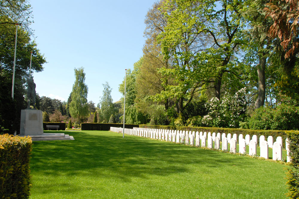 Nederlandse oorlogsgraven algemene begraafplaats crooswijk for Rotterdam crooswijk
