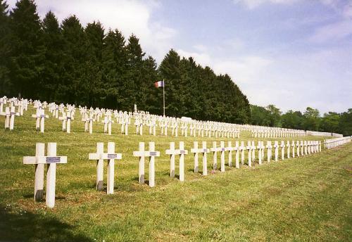 Franse Oorlogsbegraafplaats Dombasle-en-Argonne