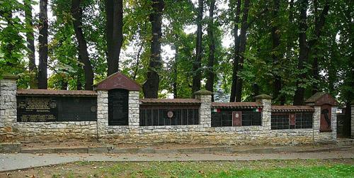 Oorlogsmonument Oude Begraafplaats Olkusz