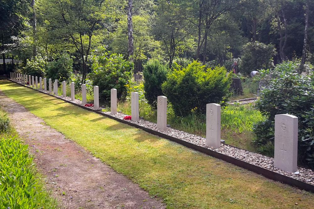 Oorlogsgraven van het Gemenebest Algemene Begraafplaats Heidehof Ugchelen