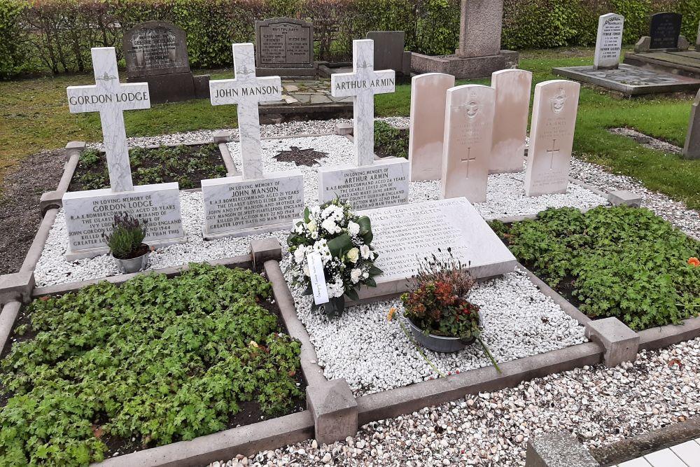 Oorlogsgraven van het Gemenebest Gemeentelijke Begraafplaats Hoogkerk