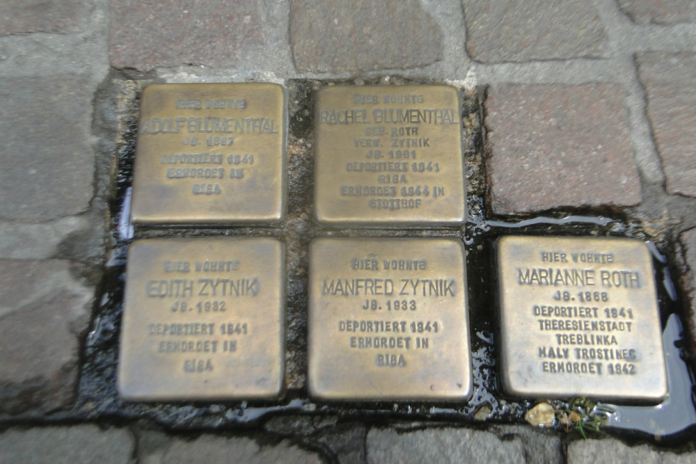 Stumbling Stones Königstraße 9