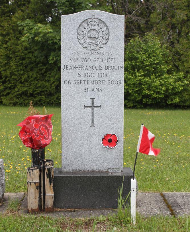 Canadees Oorlogsgraf Cimetiere Saint-Louis-de-Courville