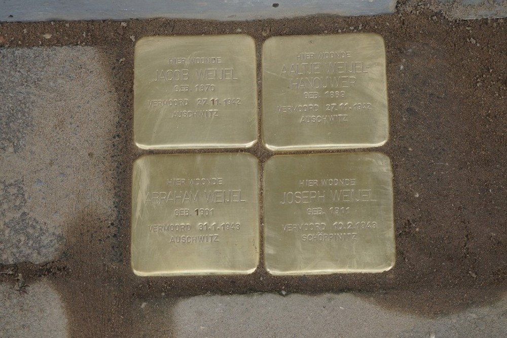 Stumbling Stones Graaf Ottosingel 71