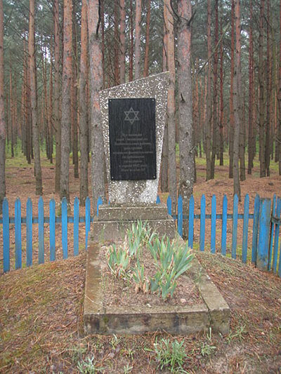 Mass Grave Jewish Victims