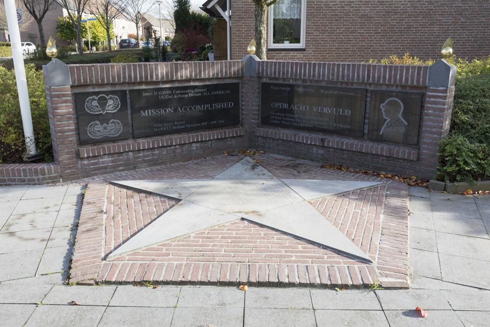 Memorial General Gavin
