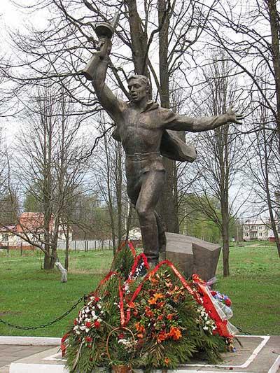 Sovjet Oorlogsbegraafplaats Yaropolets