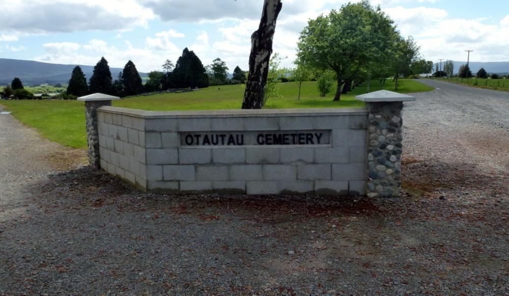 Oorlogsgraven van het Gemenebest Otautau New Cemetery