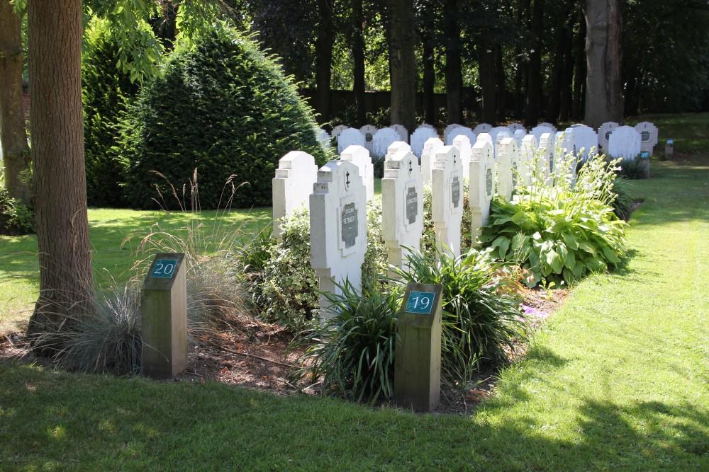 Graves Civilian Casualties 'Schuwe Maandag' Roeselare