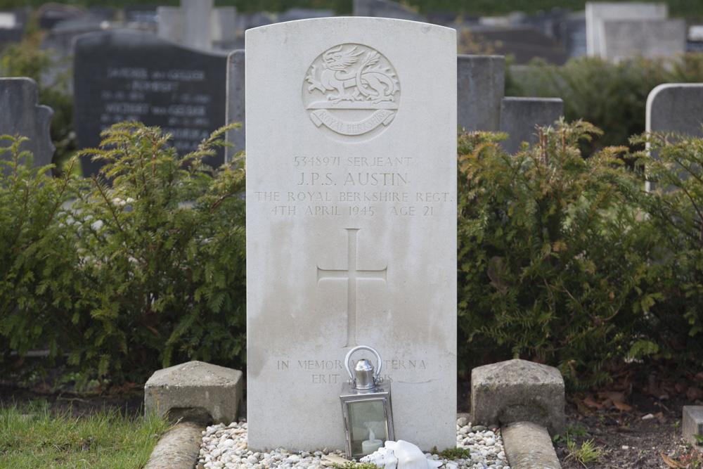 Commonwealth War Grave John Austin