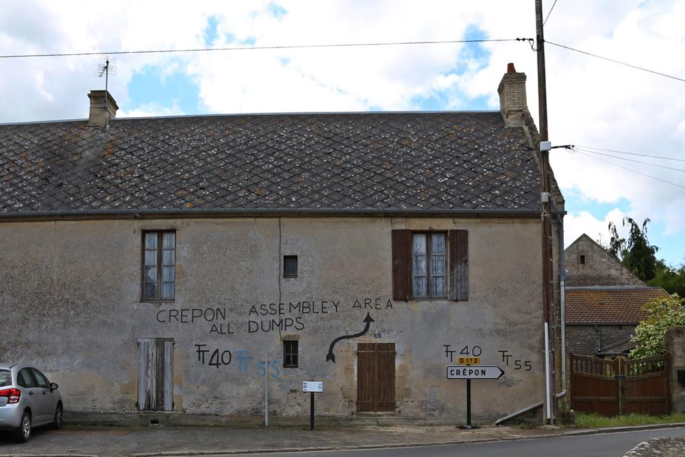Crépon Assembly Area tekens