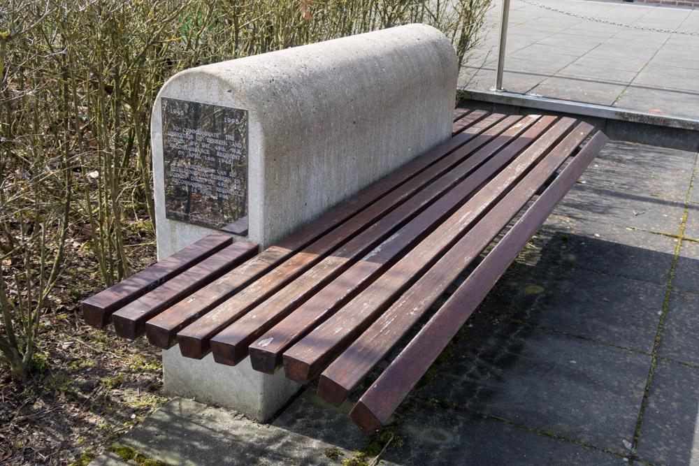 Memorial bench Loenen