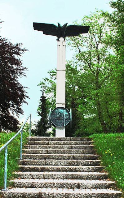 War Memorial Pioneers