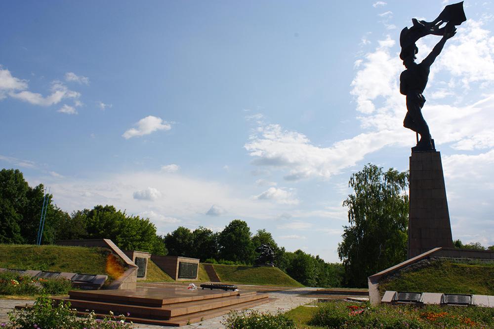 Sovjet Oorlogsbegraafplaats Balyko-Shchuchynka