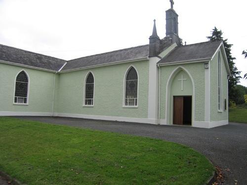 Oorlogsgraf van het Gemenebest Ballypousta Catholic Churchyard