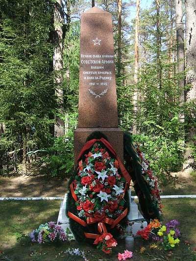 Massagraf Sovjet Soldaten Zelenogorsk 1941-1944