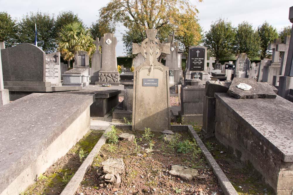 Cemetery Veurne Grave Unknown Soldier