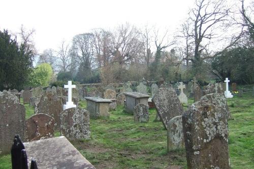 Oorlogsgraven van het Gemenebest St. Cattwg Churchyard