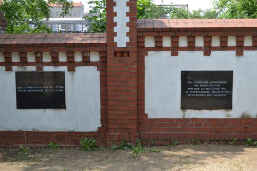 Massagraf Duitse Soldaten & Burgerslachtoffers Invalidenfriedhof