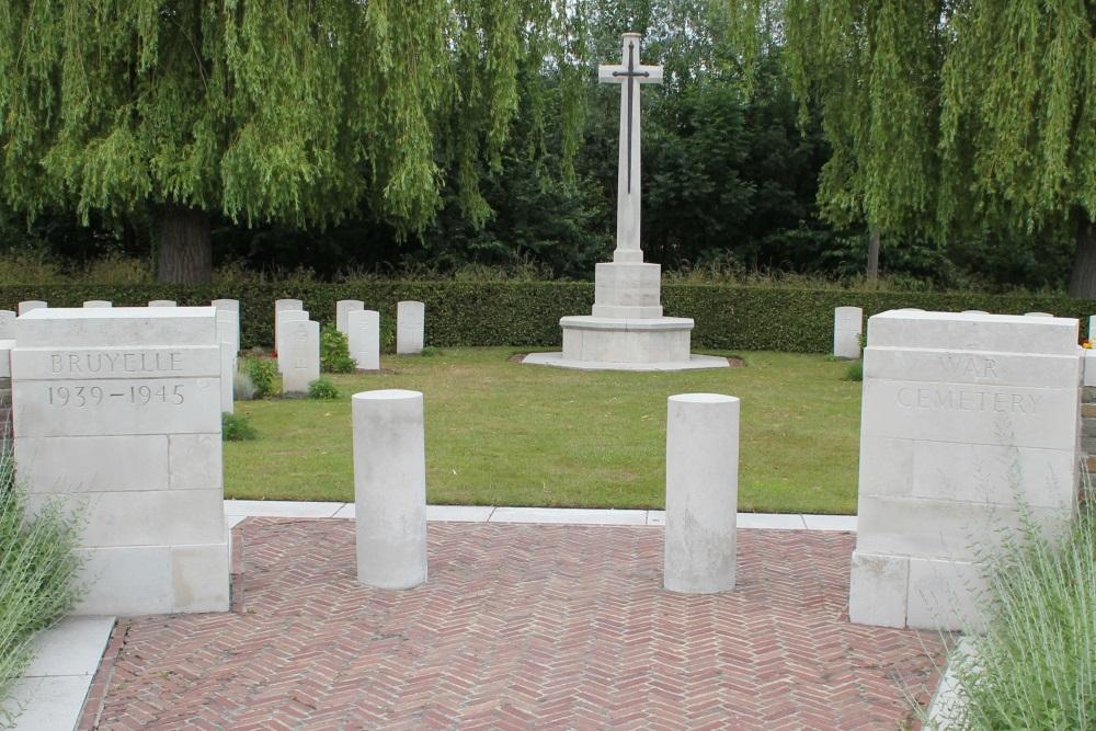 Bruyelle War Cemetery