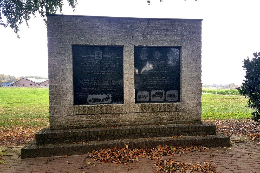 Monument 82nd Airborne Division and the 1st Canadian Army