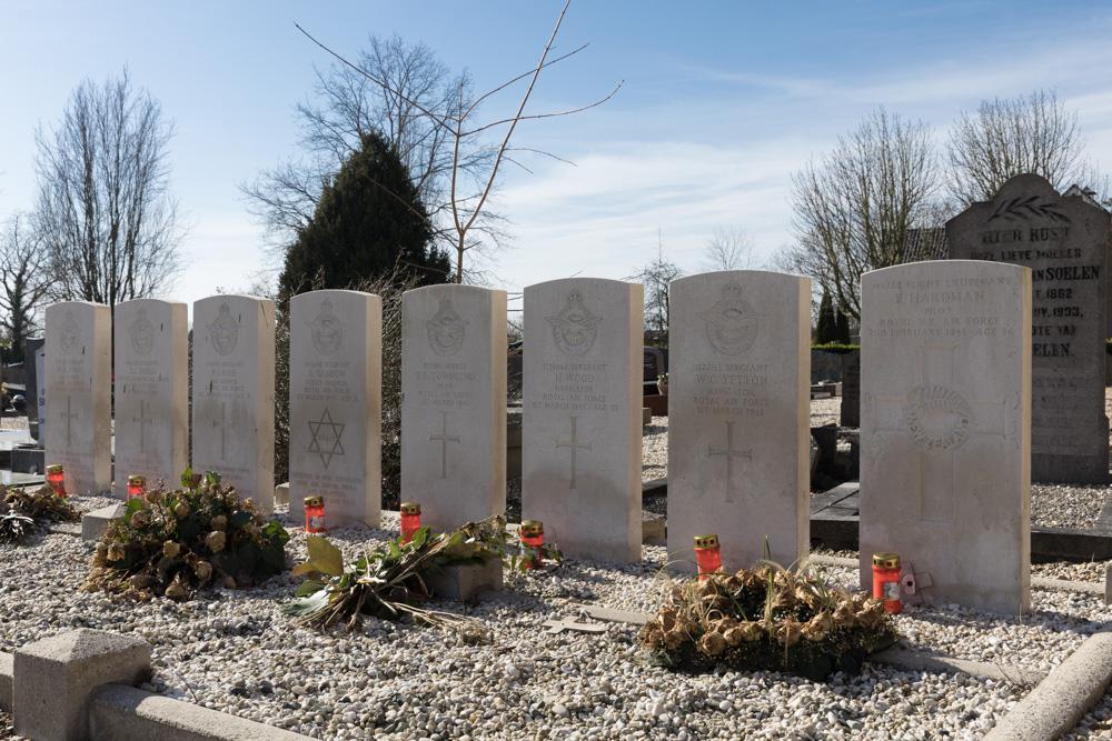 Commonwealth War GravesProtestant Churchyard Wadenoijen