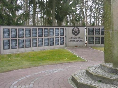 Massagraf Sovjet Soldaten Ludwigsfelde
