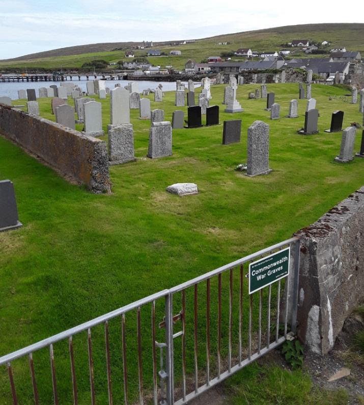 Oorlogsgraven van het Gemenebest Mid-Yell Old Churchyard
