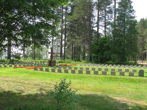 Finnish War Graves Säräisniemi