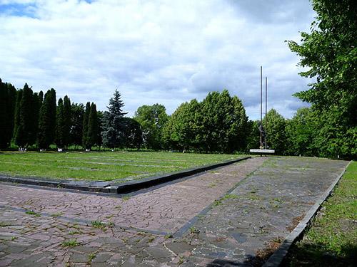 Monument & Begraafplaats Oflag 365