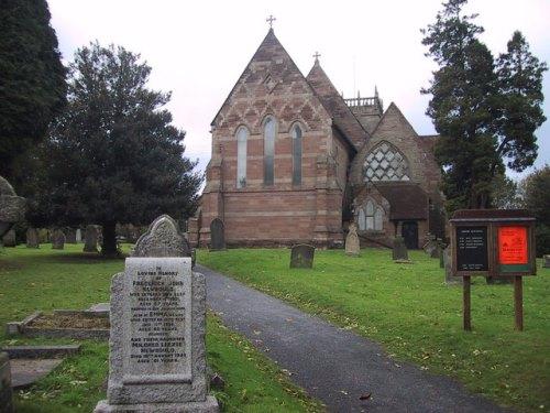 Oorlogsgraven van het Gemenebest St. Laurence Churchyard