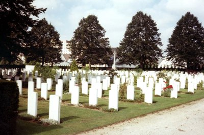 Commonwealth War Graves Amiens