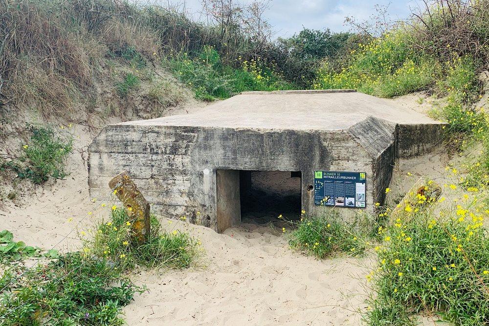 Machine Gun Bunker Bunkerroute no. 10 De Punt Ouddorp.