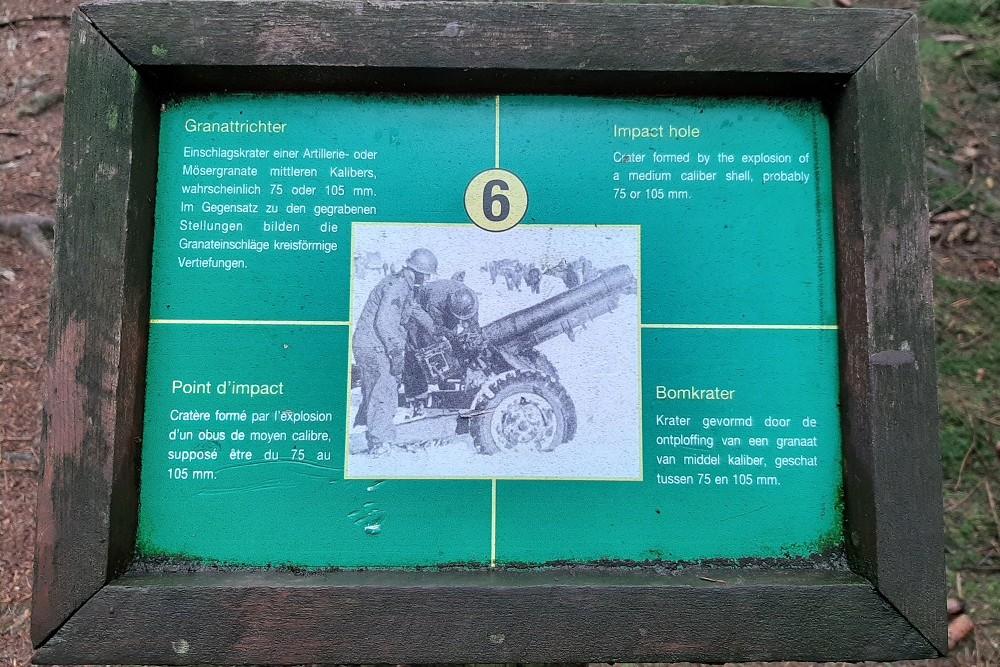 Herinneringsplaats Hasselpath Positie 6. Bomkrater