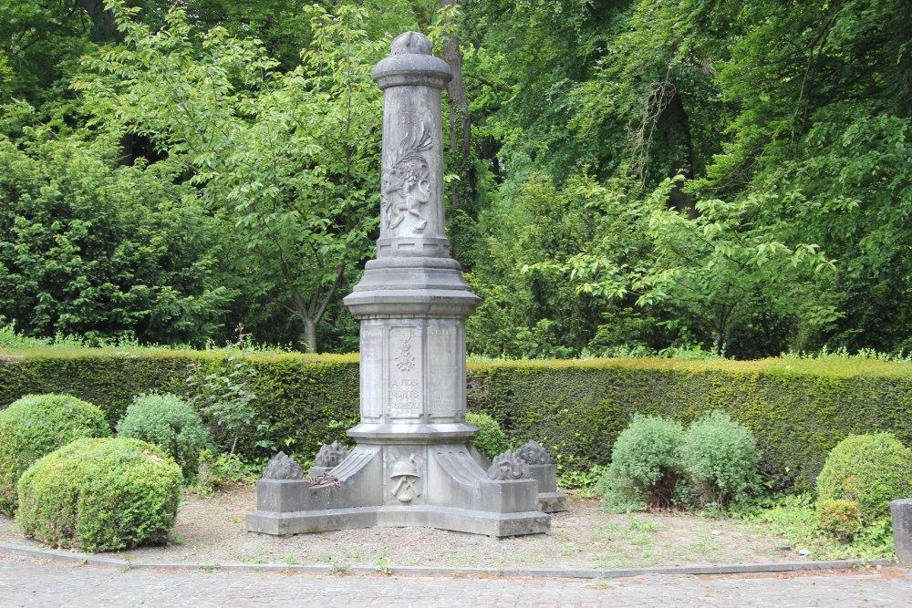 War Memorial Chercq
