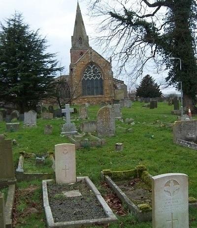 Commonwealth War Graves St Margaret Churchyard