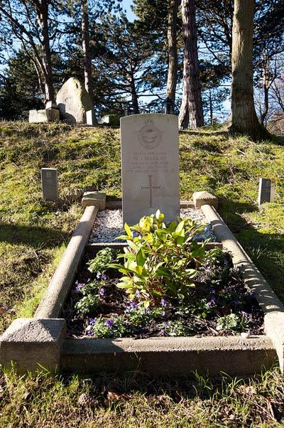 Commonwealth War Grave Bloemendaal