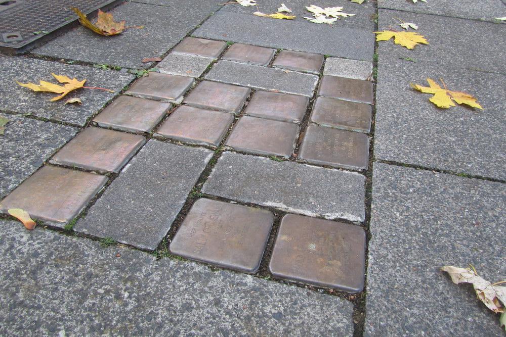 Stolpersteine Hardefuststraße 8
