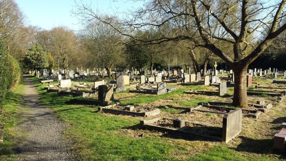 Commonwealth War Graves Holy Trinity Churchyard Extension