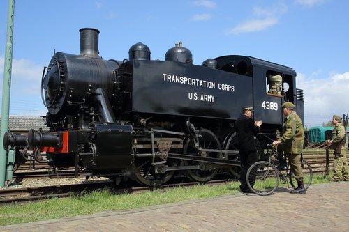 Amerikaanse Loc 4389 locomotief & goederenwagen type 'Warflat'