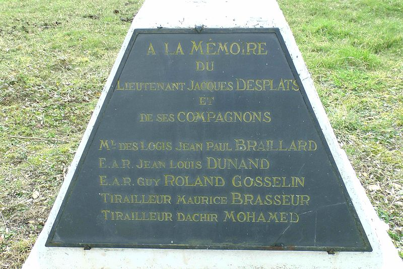 Memorial Victims Battle Of Saumur Gennes Tracesofwar Com