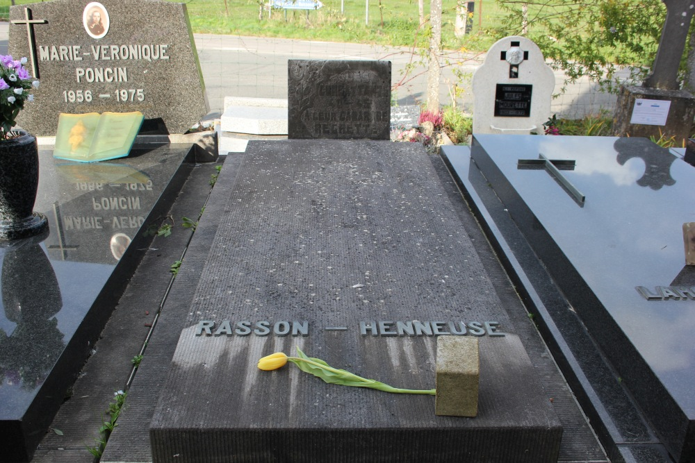 Veteran War Graves Ellignies-lez-Frasnes