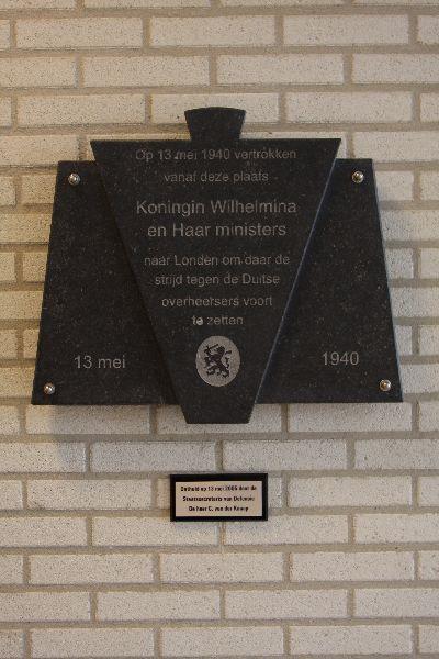 Plaque Departure Queen Wilhelmina and Her Ministers