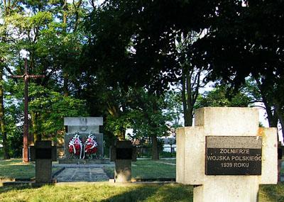 Polish War Cemetery Kiernozia