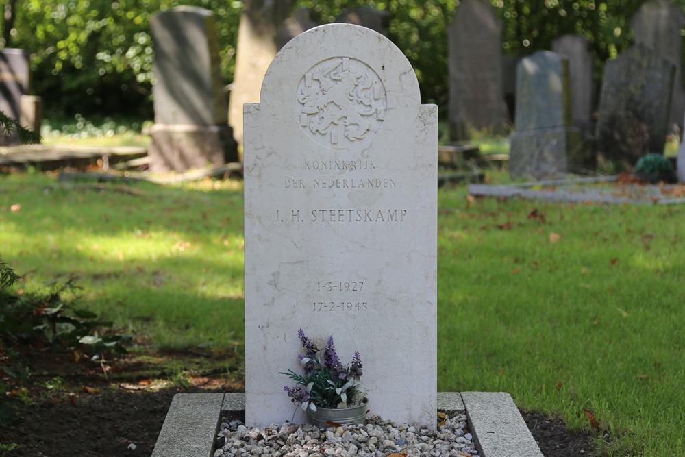 Nederlandse Oorlogsgraven Algemene Begraafplaats Doetinchem