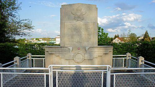 Memorial Jan Mackenzie