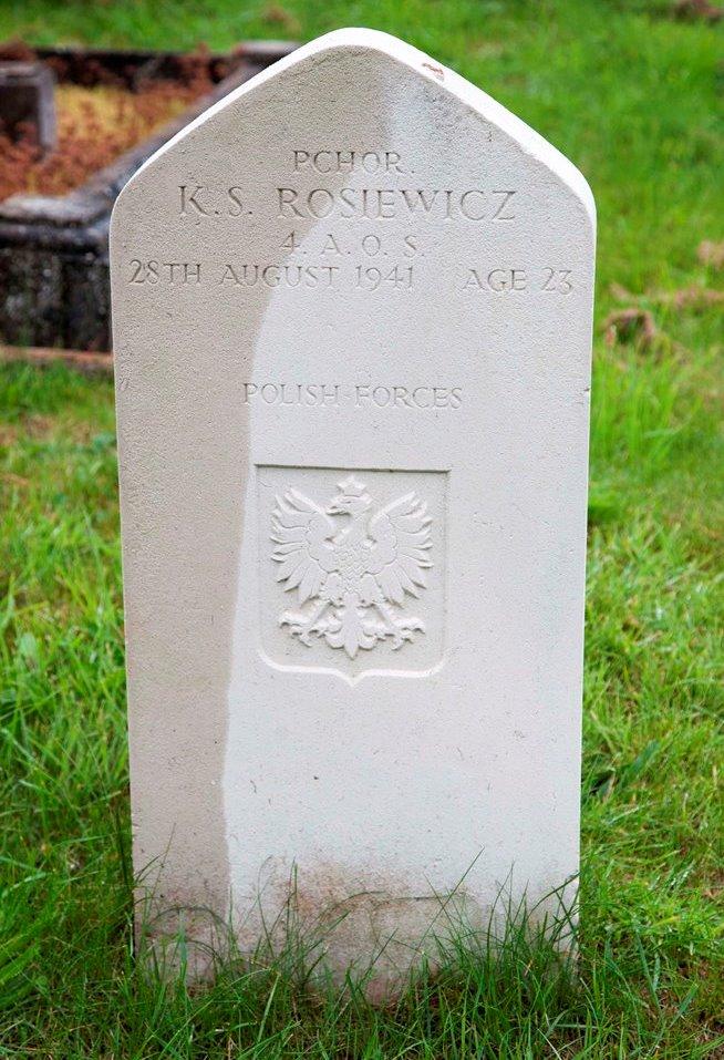 Poolse Oorlogsgraven St. Mary's Roman Catholic Cemetery