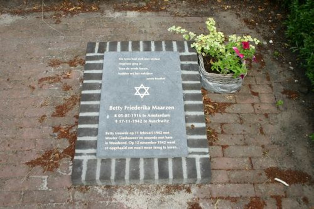 Monument Betty Friederika Maarzen