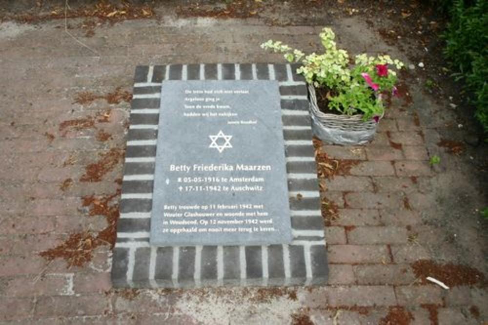 Monument Betty Friederika Maarzen
